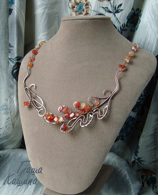 "Contas de colar handmade.  Mestres Feira - Colar artesanal feito de cobre ""Setembro"".  Handmade."