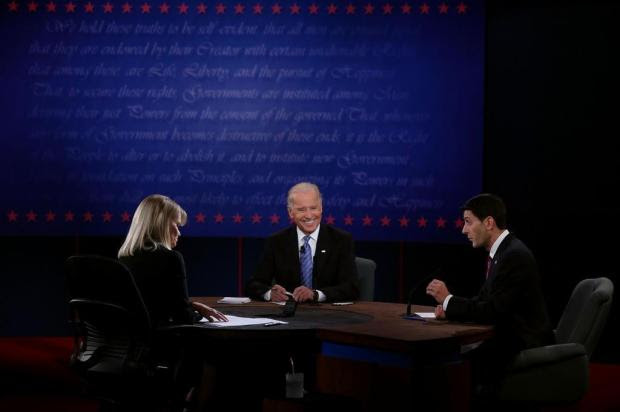 Em debate, candidatos a vice atacam Obama e Romney Alex Wong/AFP