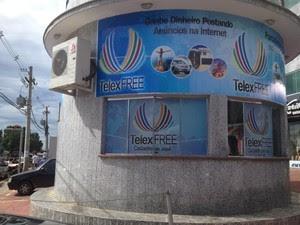Propaganda da Telexfree no Acre (Foto: Raissa Natani/G1)