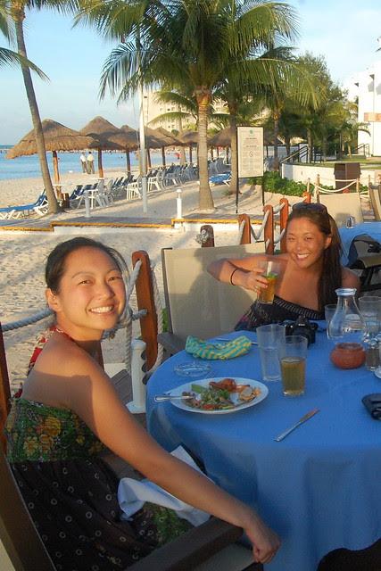 cancun_resort_dinner_sandm