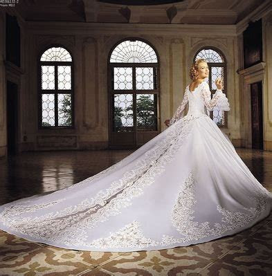 Places to Rent a Wedding Gown