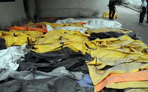 Korban-korban meninggal yang berhasil dievakuasi dari lokasi