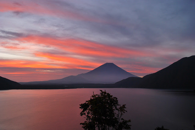 秋、早朝、本栖湖、富士山! / Mt.Fuji early morning, November 02