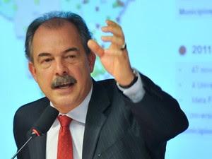 O ministro da Educação, Aloizio Mercadante, em audiência pública na Comissão de Educação da Câmara (Foto: Antonio Cruz/ABr)