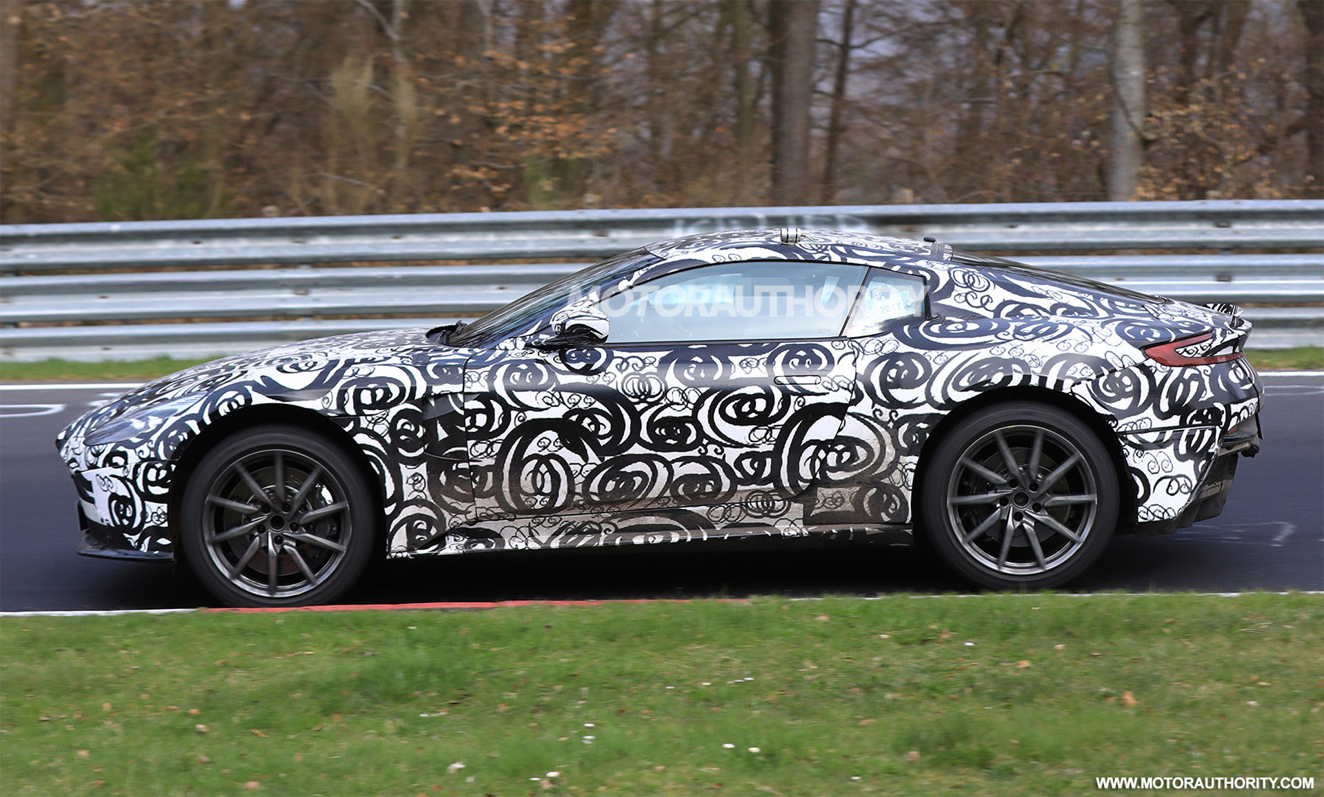 2018 Aston Martin Vantage spy shots and video