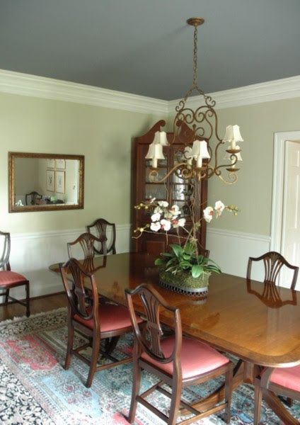 Dark Paint Colors for the Ceiling and How the Ceiling Appears to ...