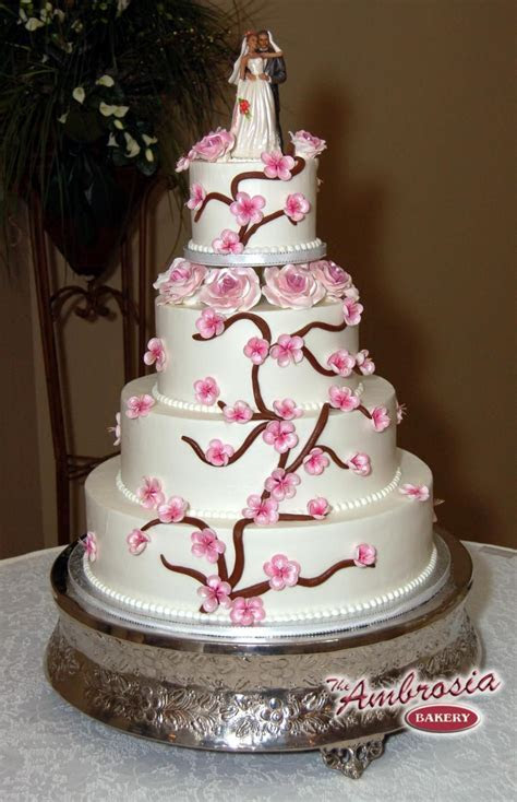 beautiful cake designs   This incredibly beautiful wedding