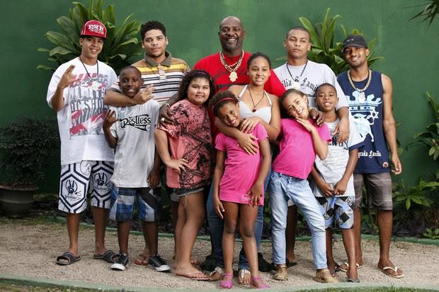 Família de Mr. Catra (Foto: Marcos Serra Lima / EGO)