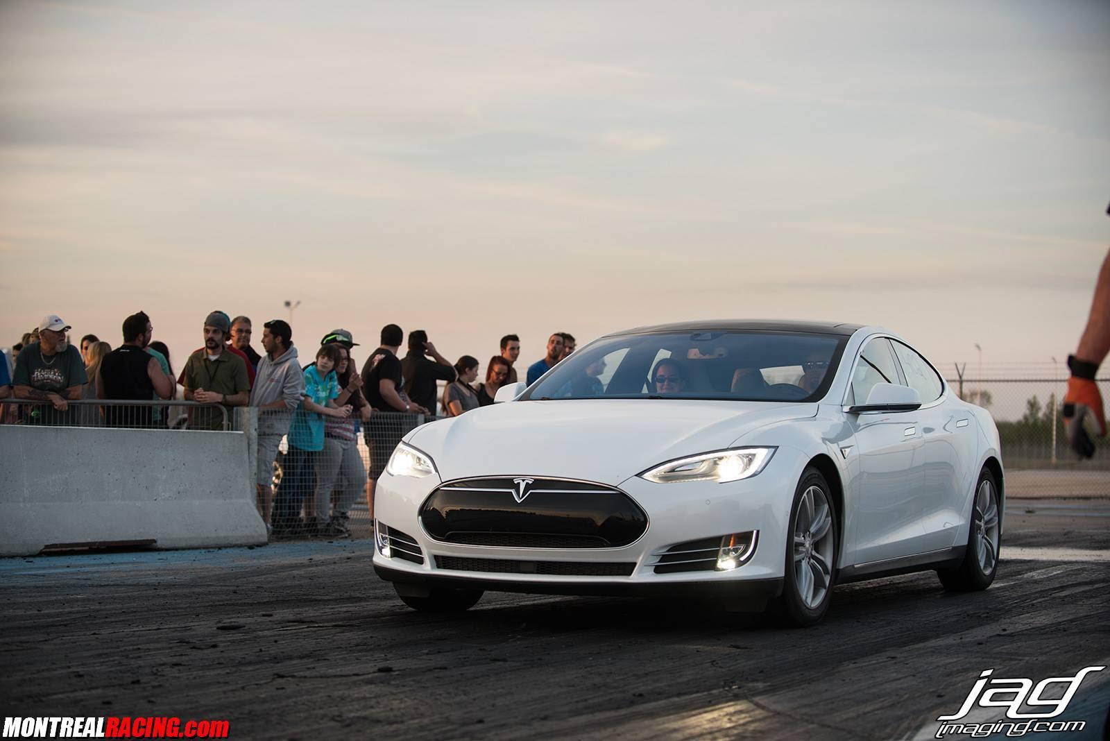 Stock 2015 Tesla Model S 85d 14 Mile Drag Racing Timeslip