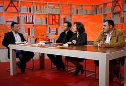 Romón, á esquerda, cos colaboradores do primeiro programa