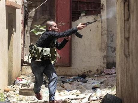 Με την πλάτη στον τοίχο η Δύση στη Συρία…