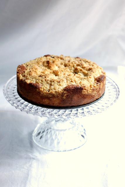 Pear lavender crumb cake