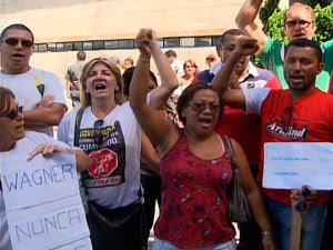Professores mantêm greve e dizem que sairão de assembleia (Foto: Reprodução/ TV BA)