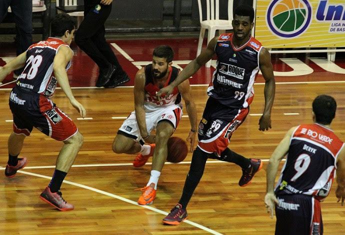 Flamengo x LImeira, NBB, basquete, Ginásio do Tijuca (Foto: Gilvan de Souza/Flamengo)