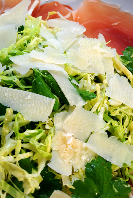 prosciutto and cabbage salad ©