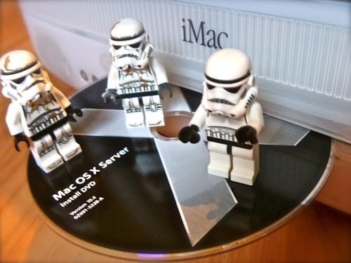 Apple Macintosh Server OS