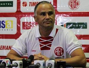 Oliveira Canindé - técnico do América-RN (Foto: Fabiano de Oliveira)
