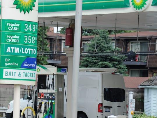 bu13-gasprices-1014y.jpg