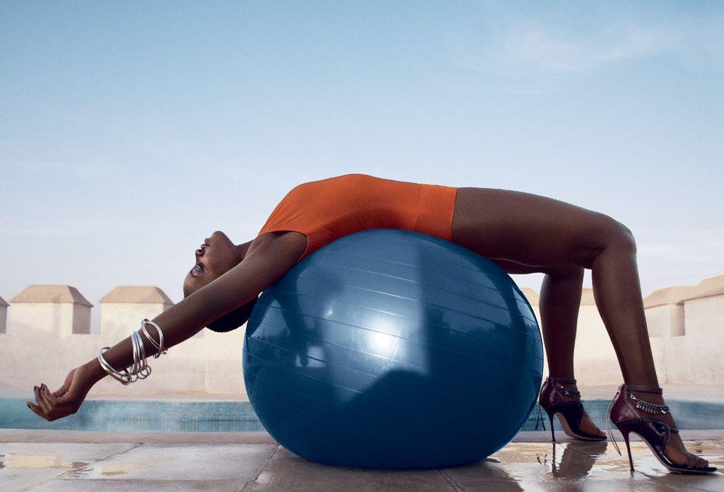 Lupita Nyong'o : Vogue (July 2014) photo rs_1024x696-140619075941-10242Lupita-Nyongo-First-Vogue-Coverjl061914.jpg