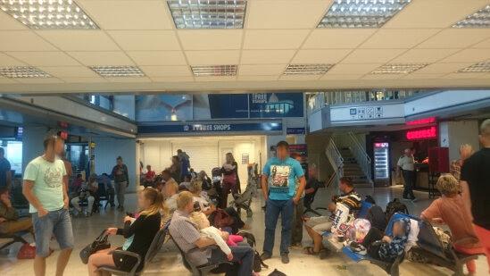 Awaria samolotu na Greckiej wyspie Kos. Polacy uwięzieni na lotnisku od sobotniego wieczoru.