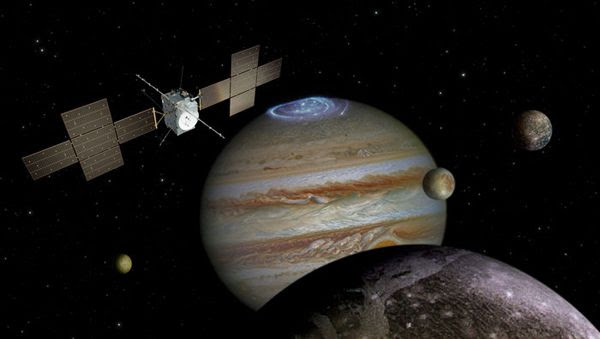 An artist's concept of Europe's Jupiter Icy Moons Explorer (JUICE) in orbit around the Jovian world and its four Galilean moons.