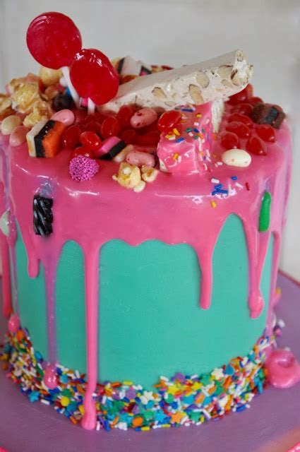 Rozanne's Cakes: Crazy cakes