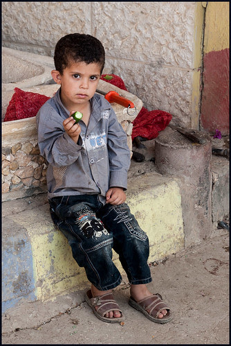 palestijnse jongen by hans van egdom
