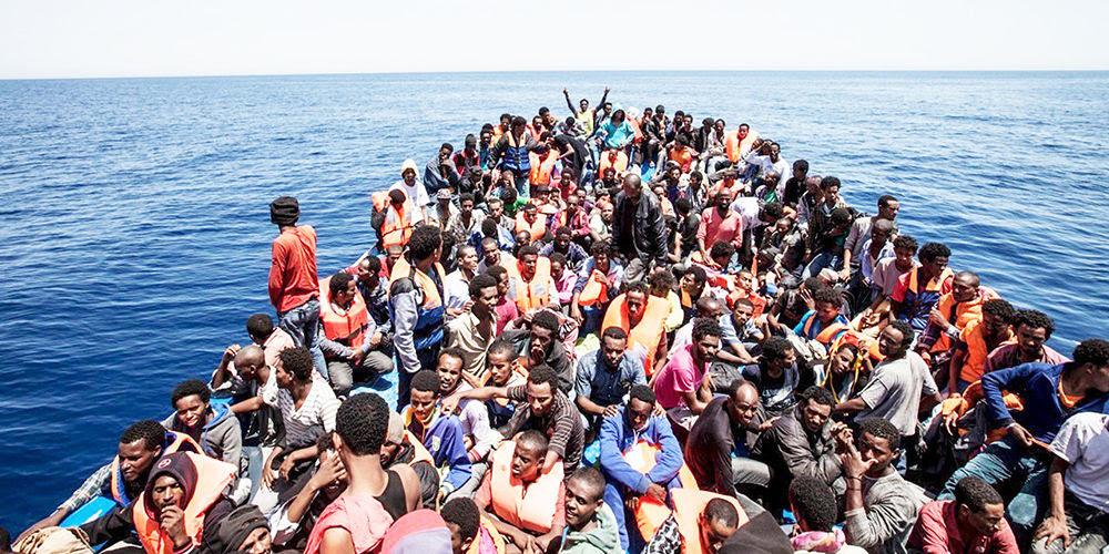 Risultati immagini per sbarchi migranti