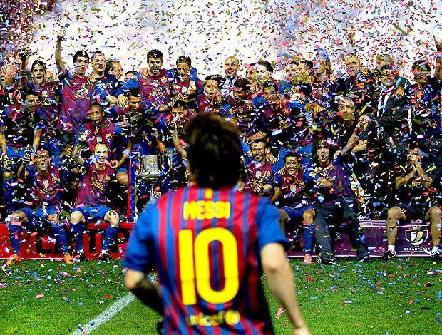 Messi na comemoração do Barcelona da Copa do Rei (Foto: AP)
