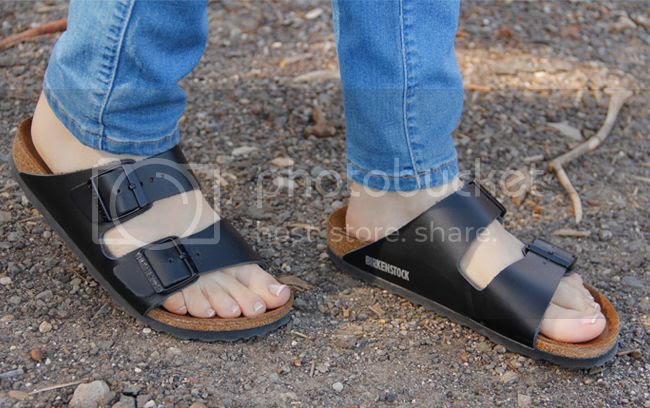 Birkenstock Arizona sandals in black, Birkenstock sandals fashion trend
