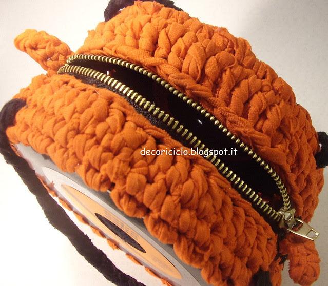 borsa 45 giri con fettuccia da canotta arancione 3
