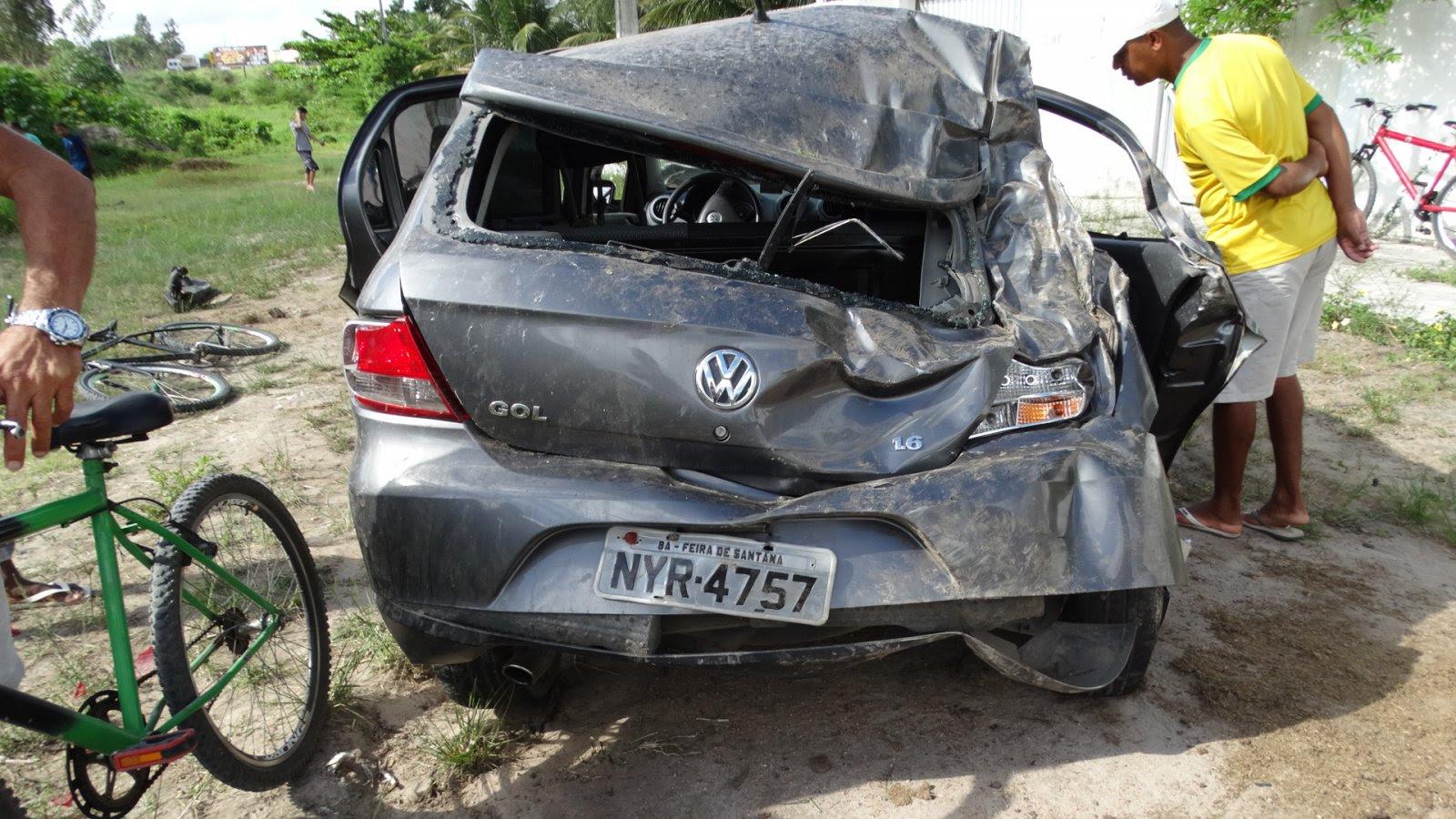 Estudante morre em acidente de carro na BR-116 Norte, em Feira de Santana