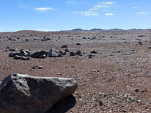 Rochas no deserto de Atacama, um dos lugares mais secos do mundo, perto do VLT, do Observatório Europeu do Sul (ESO), em Cerro Paranal (Foto: ESO)