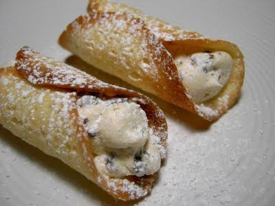Recipe for Vegan Cannoli with Chocolate Chip Cheese Filling