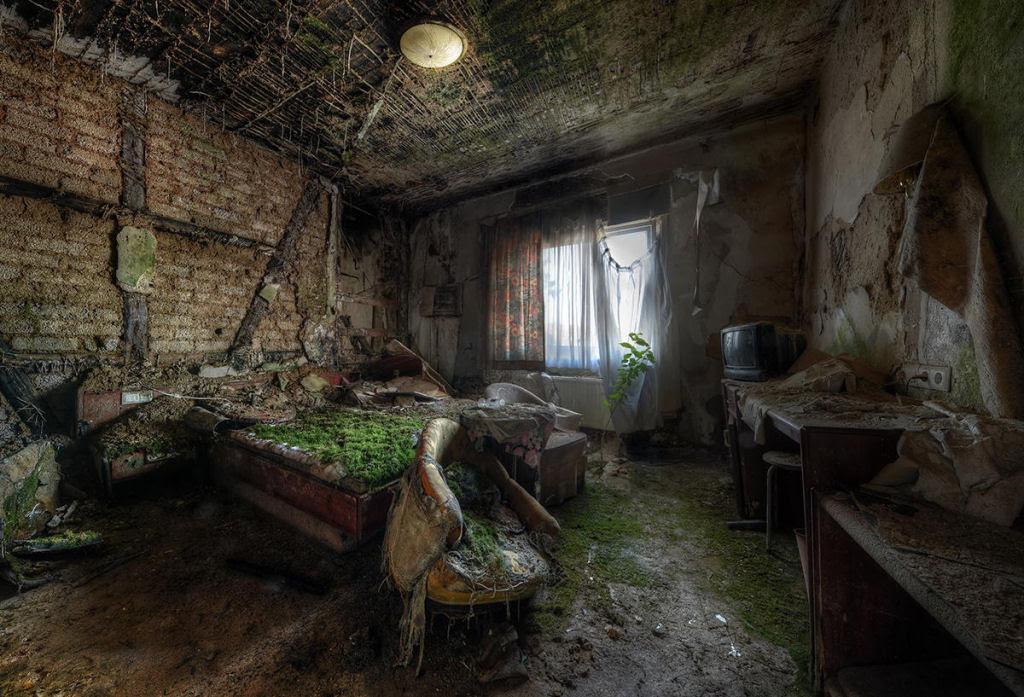 A arte do Urbex - As impressionantes fotografias de Niki Feijen 16