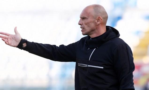 Ο Γκώνιας προπονητής στην ομάδα του Μπέου
