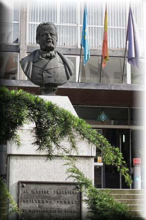 Busto de Guillermo Schulz en el jardín de la Escuela de Minas de Oviedo
