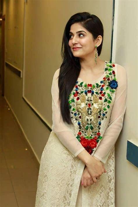 Best 25  Sanam baloch dresses ideas on Pinterest   Sanam