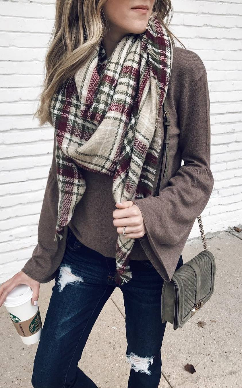 how to wear with a pald scarf : bag + top + rips