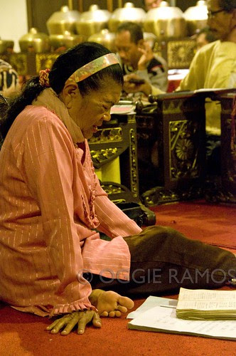 Indonesia - Solo Cakra Gamelan Singer II