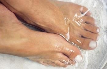 Get your feet ready for summer. Sounds crazy but it works! Mix 1/4c Listerine (any kind but I like the blue), 1/4c vinegar and 1/2c of warm water. Soak feet for 10 minutes and when you take them out the dead skin will practically wipe off!