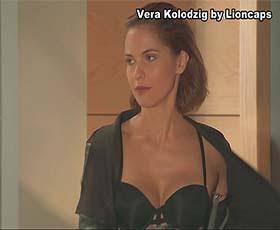 Vera Kolodzig sensual em lingerie na novela Valor da Vida
