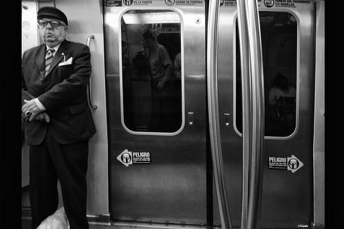 Recuerdo en el metro by Alejandro Bonilla