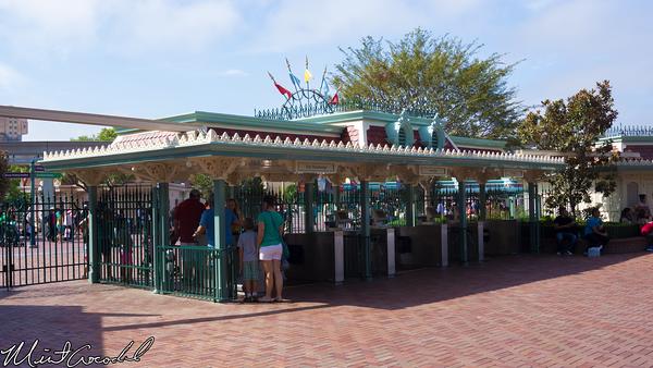 Disneyland Resort, Disneyland, Exit
