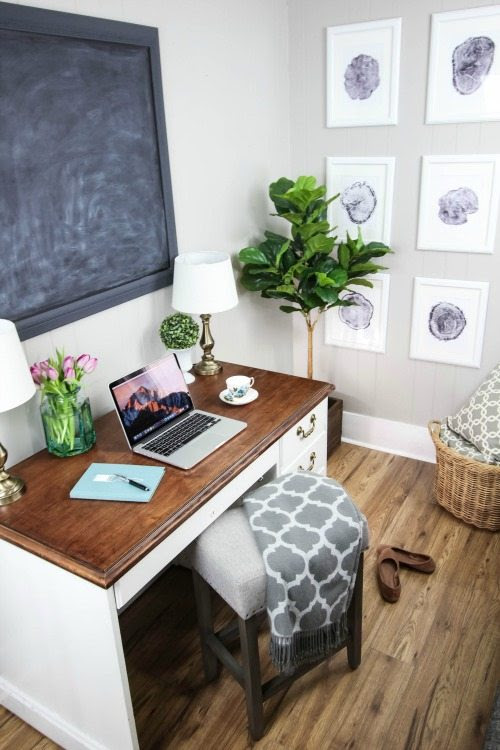 Awkward Wall Solution in Our Living Room | The Creek Line ...