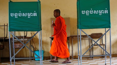 Record turnout in Cambodia's election amid claims of crackdown & US meddling (VIDEO)
