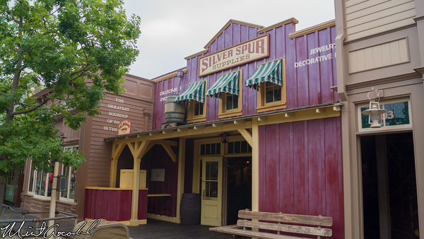 Disneyland Resort, Disneyland, Frontierland, Legends of Frontierland
