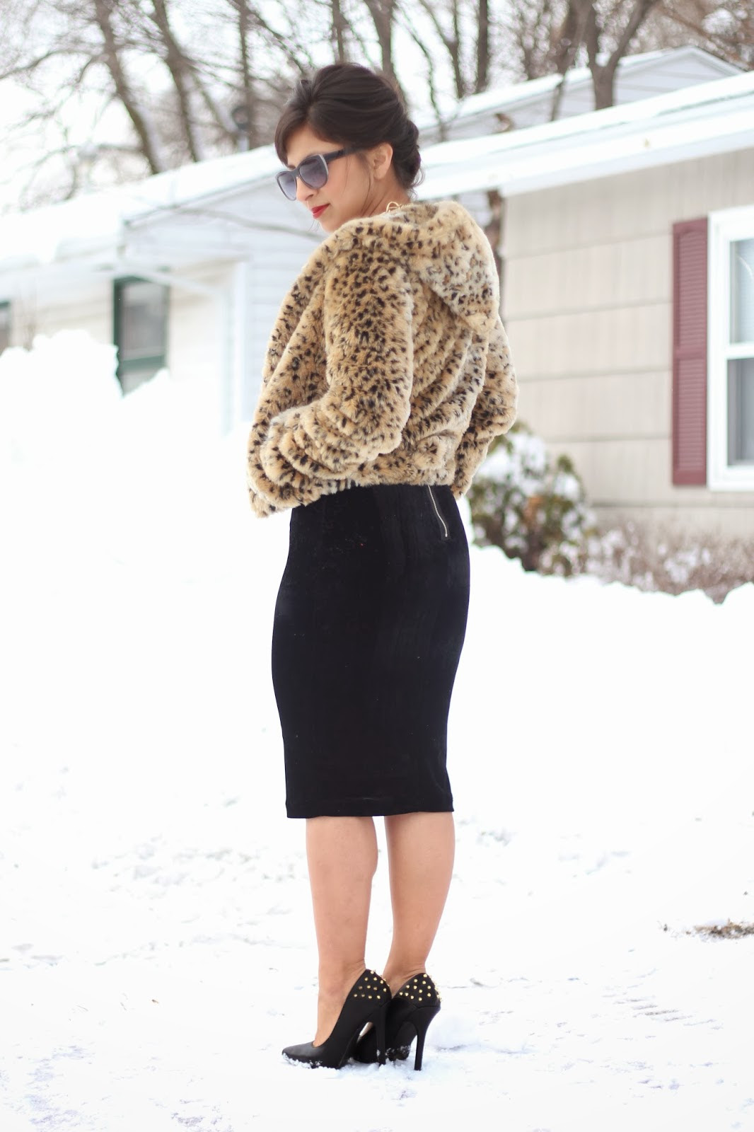 5 outfit ideas for black pencil skirts  style wile