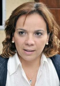 Larissa-Rosado-21-211x300