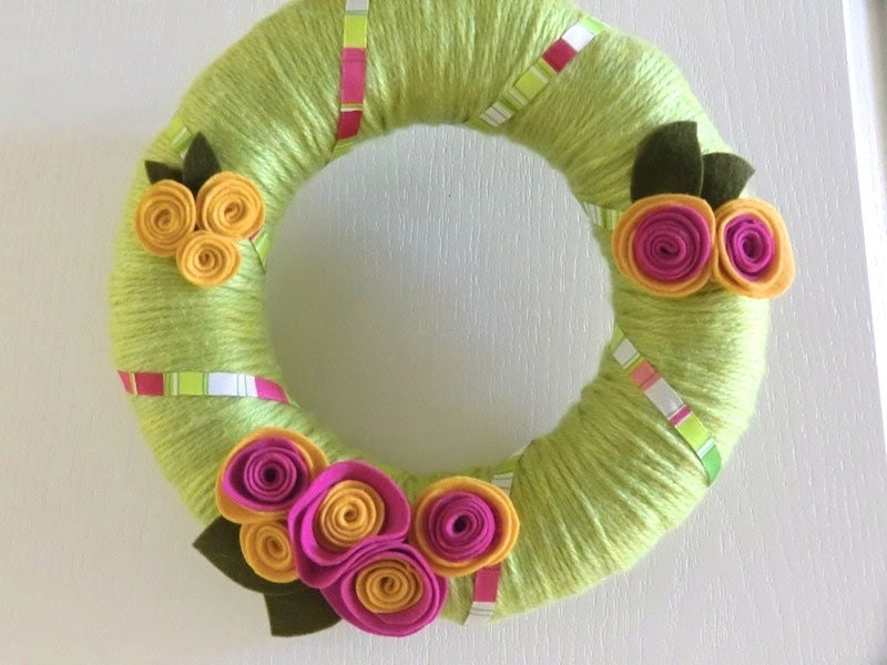 CYBER MONDAY 15% Sale -  Felt Flower Yarn Wreath - Chartreuse Green w Hot Pink - Handmade 12 in - XOXO Sale